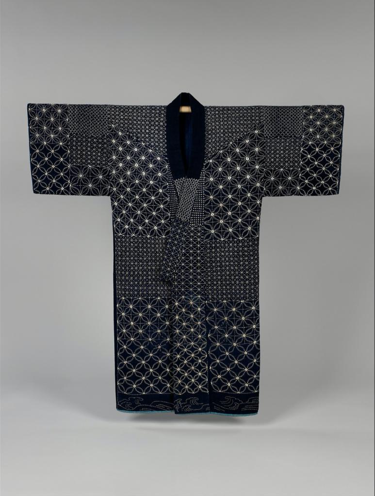 Kimono brodé selon la technique broderie Sashiko