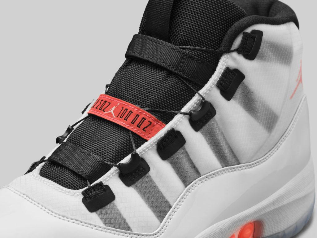 la Air Jordan 11 se pare de cable WIRE à la place des lacets